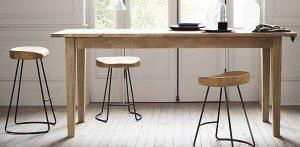 Oak-barstools-for-the-modern-kitchen