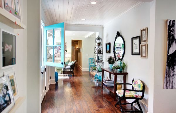Turquoise feature window