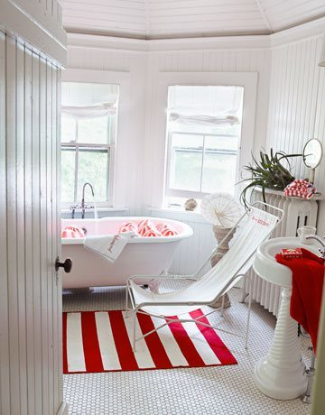 Red and white stripes- abit of Hamptons style I think