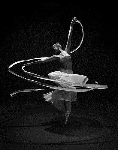 dancing,women,ballet,beauty,blackandwhite,dance-756361a64096ea1c47273064c2d81648_h
