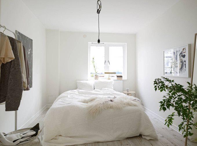 white-apartment-greens-bedroom-fur-sheepskin-throw-680x503