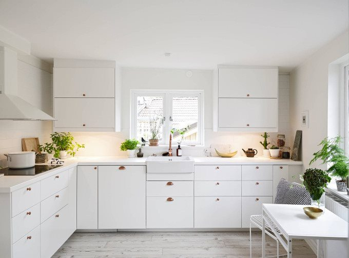 white-apartment-greens-kitchen-copper-handles-680x503